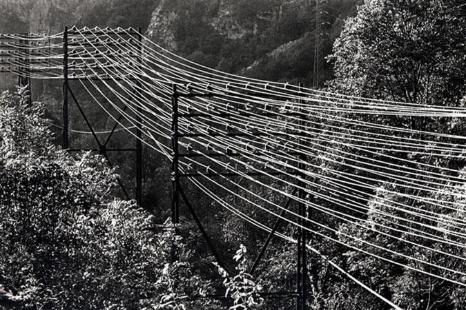 Création et installation photographique sur le monde de l'énergie hydraulique par Anne-Marie Louvet photographe