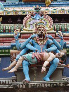 Sculptures sur un temple de Pondicherry en Inde par Anne-Marie Louvet photographe