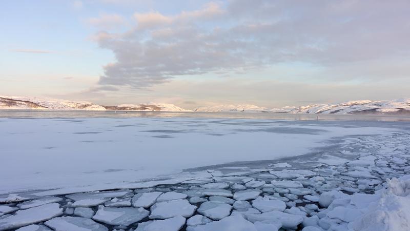 Paysage le long de la côte de Norvège, photographie d'Anne-Marie Louvet