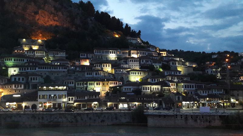 Berat en Albanie par Anne-Marie Louvet photographe